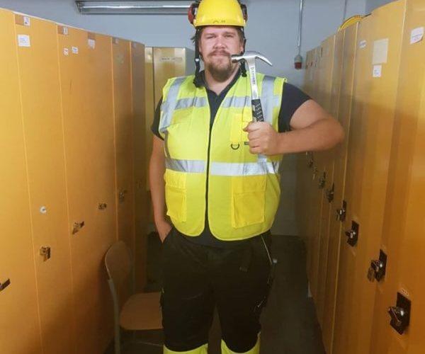Poverin Ja Työtehoseuran Kuurojen Rakennusalan Tulokoulutus Viittomakielisissä Uutisissa